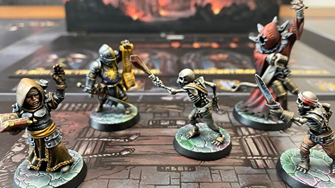 Darkest Dungeon board game miniatures