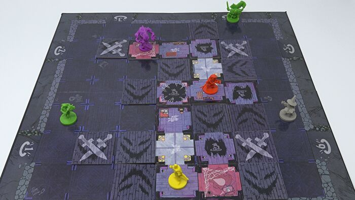 Vast: The Mysterious Manor board game layout 2
